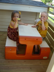 Love their picnic table!